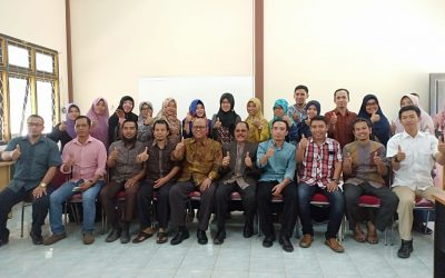 Foto Bersama Prof. Dr. H. Iskandar Zulkarnain, MA.